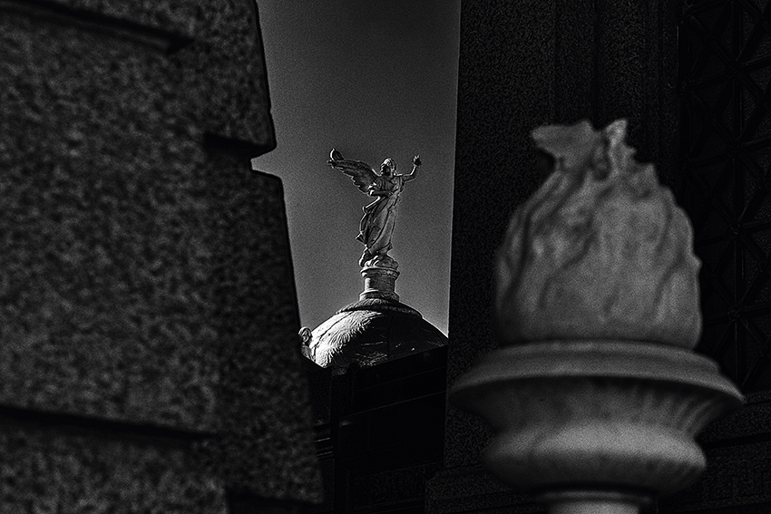 Grabdenkmäler auf dem Friedhof La Recoleta in Buenos Aires.