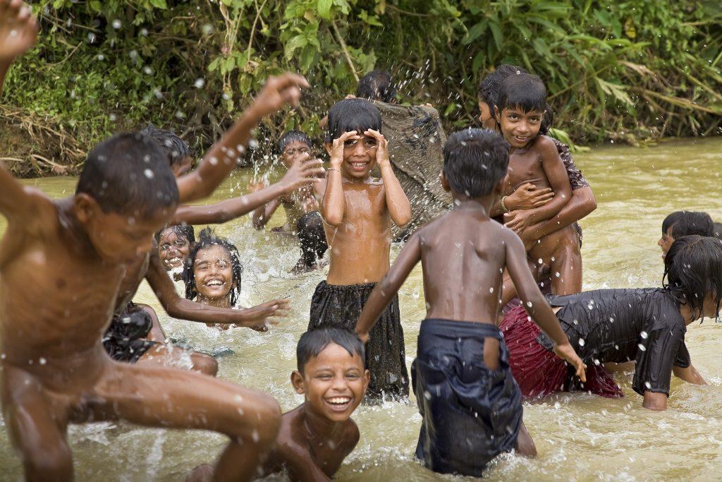BANGLADESCH-CAP ANAMUR HILFT FLUECHTLINGEN AUS MYANMAR
