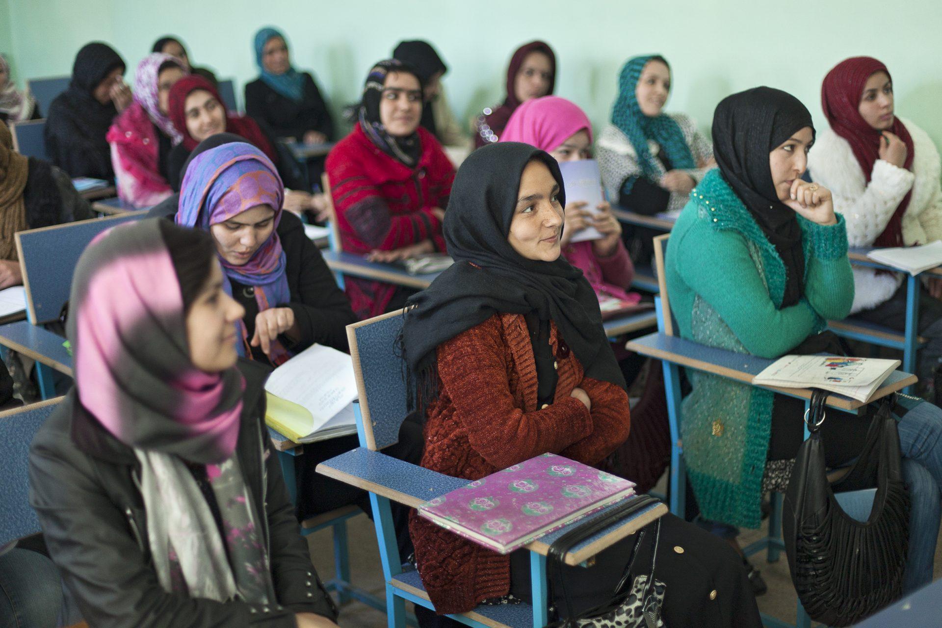 Investition in die Zukunft. Cap Anamur- Ausbildungsprogramme in Afghanistan.