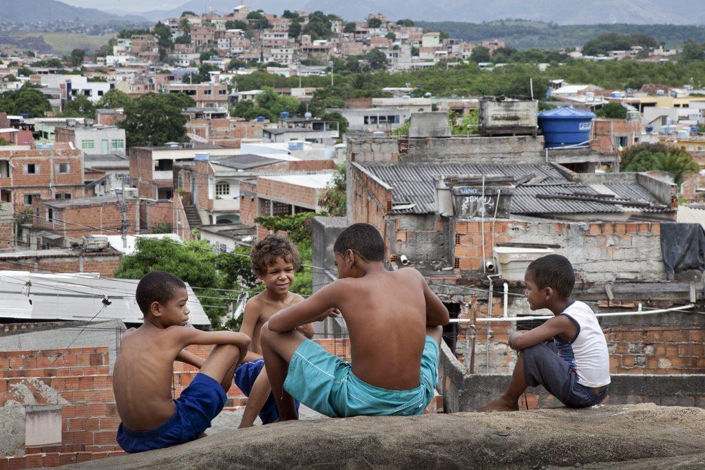 Favela Sáo Pedro: Kindertreffpunkt auf dem Steinhügel.