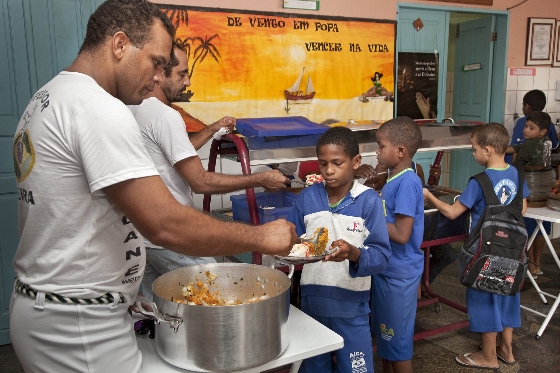 BrasilienNovo Horizonte/ Kirchliches Jugendzentrum (Mittagessen).